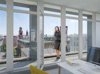 Blick vom 7.OG des Kontor 2 über die Terrasse in Richtung Osten